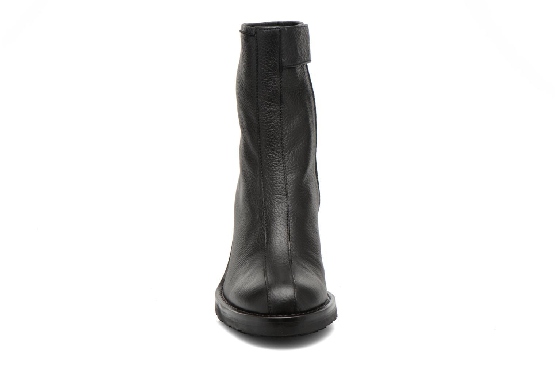 Bottines et boots Opening Ceremony ISA METALLIC HEEL BOOT Noir vue portées chaussures