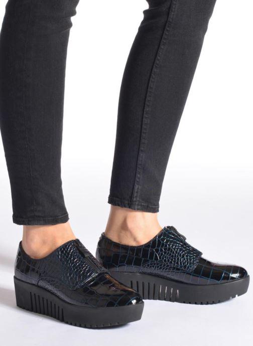 Chaussures à lacets Opening Ceremony CROC FRONT ZIP Bleu vue bas / vue portée sac