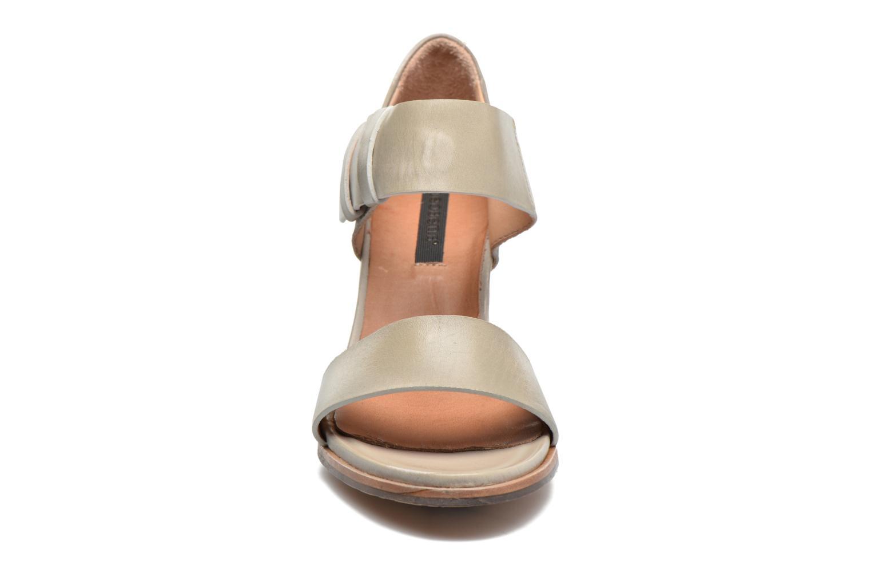 Sandales et nu-pieds Neosens Gloria S198 Blanc vue portées chaussures