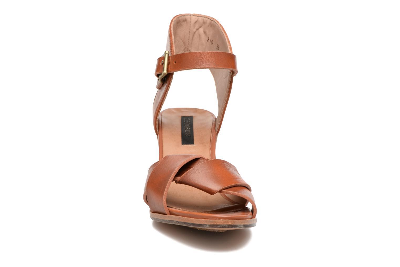 Sandales et nu-pieds Neosens Noah S216 Marron vue portées chaussures