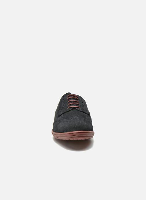 Zapatos con cordones Base London Gig Perform Azul vista del modelo