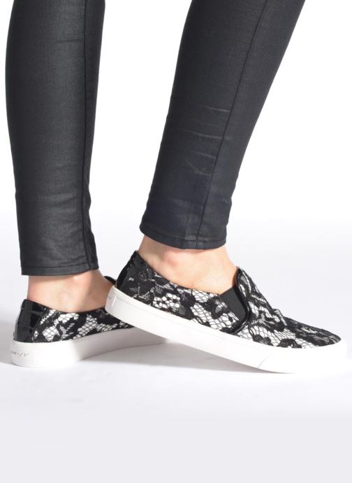 Trainers DKNY Bess Black view from underneath / model view