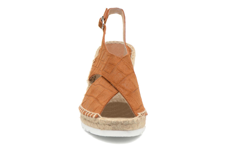 Sandales et nu-pieds SPM FISKER Marron vue portées chaussures