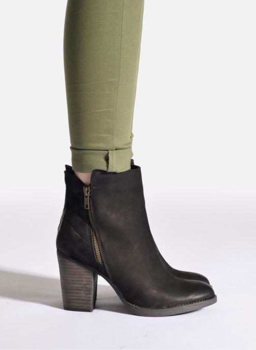 Bottines et boots Steve Madden RYATTQ Noir vue bas / vue portée sac