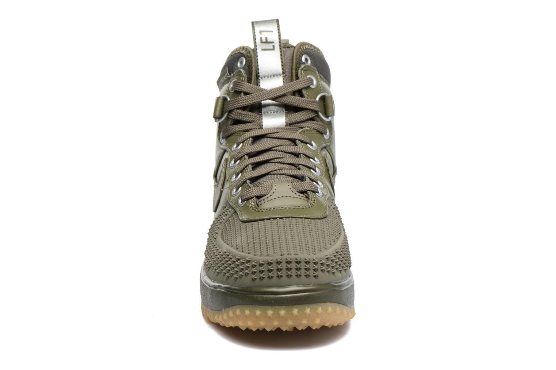Baskets Nike Lunar Force 1 Duckboot Vert vue portées chaussures