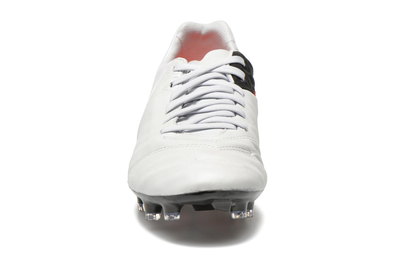 Chaussures de sport Nike Tiempo Legacy II Fg Gris vue portées chaussures