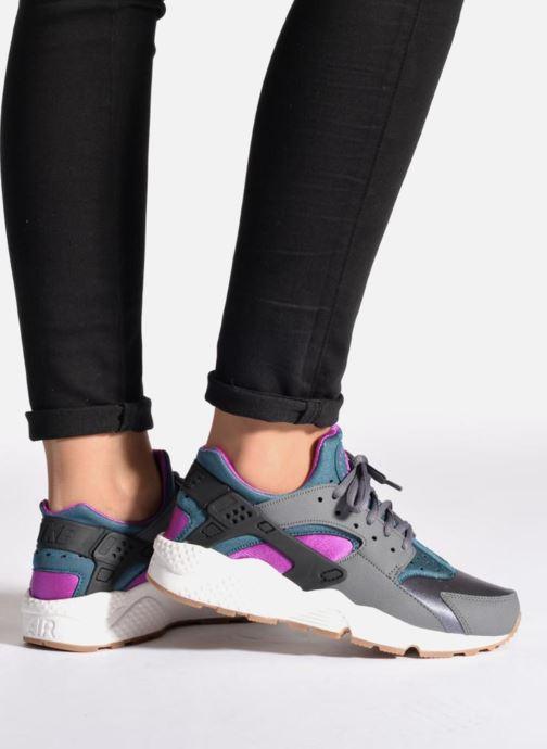 Sneaker Nike Wmns Air Huarache Run grau ansicht von unten / tasche getragen