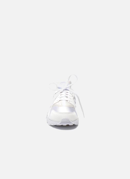 Sneakers Nike Wmns Air Huarache Run Bianco modello indossato