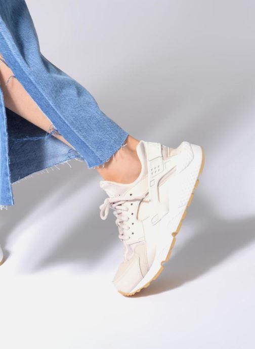 Sneaker Nike Wmns Air Huarache Run rosa ansicht von unten / tasche getragen