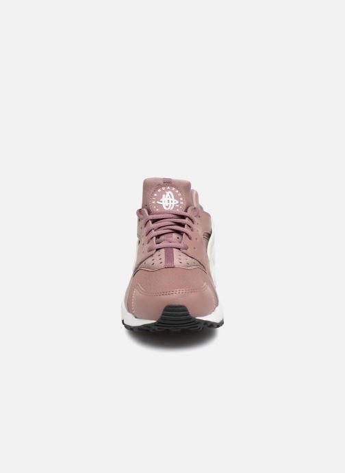 Baskets Nike Wmns Air Huarache Run Violet vue portées chaussures