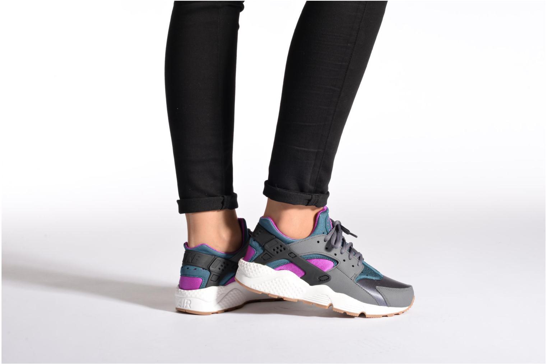 Baskets Nike Wmns Air Huarache Run Multicolore vue bas / vue portée sac