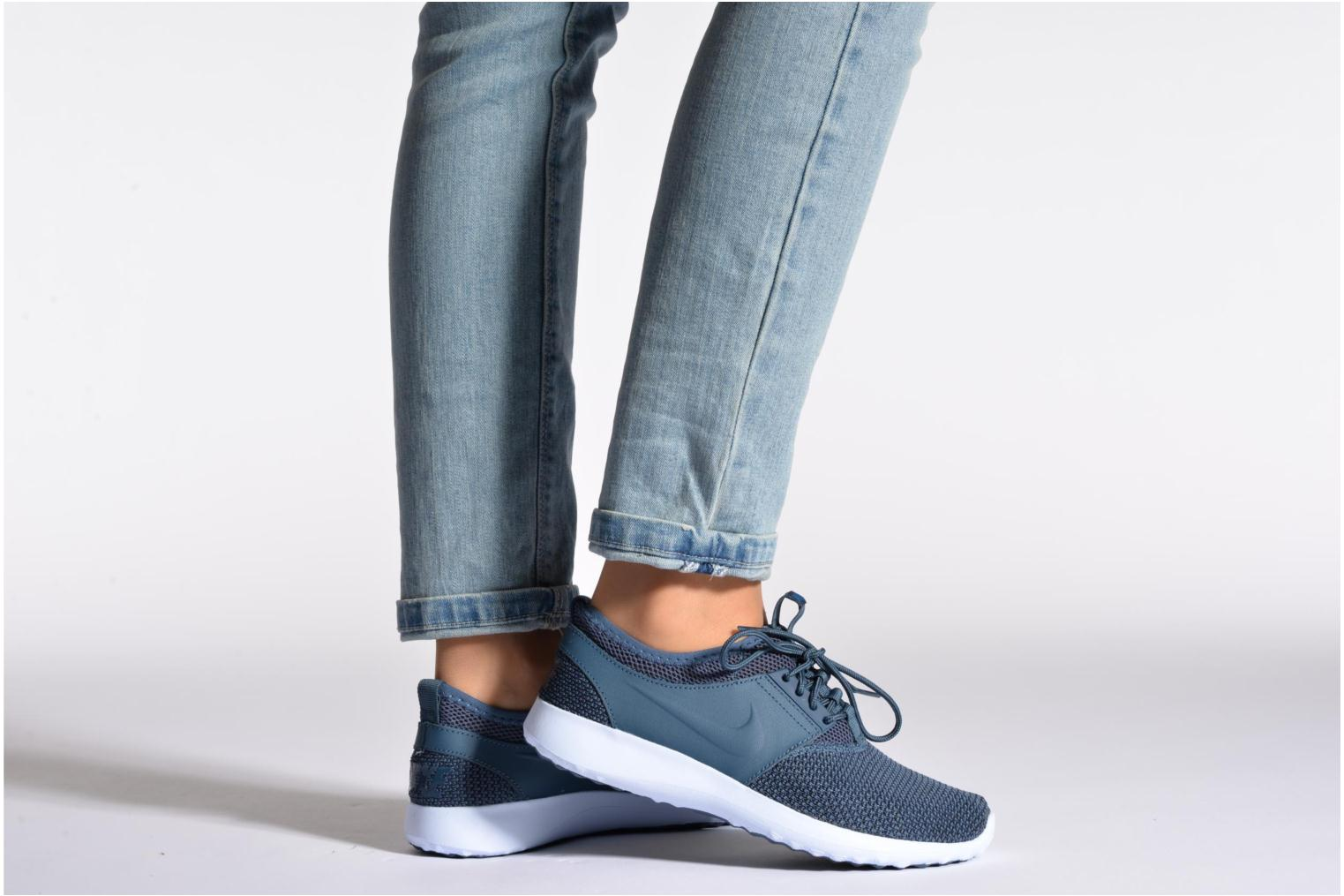 Trainers Nike Wmns Nike Juvenate Txt Blue view from underneath / model view