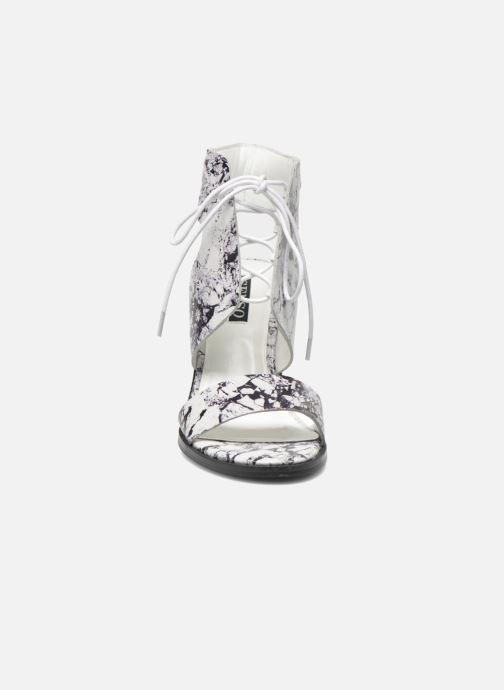 Sandalen SENSO Valleri VII weiß schuhe getragen