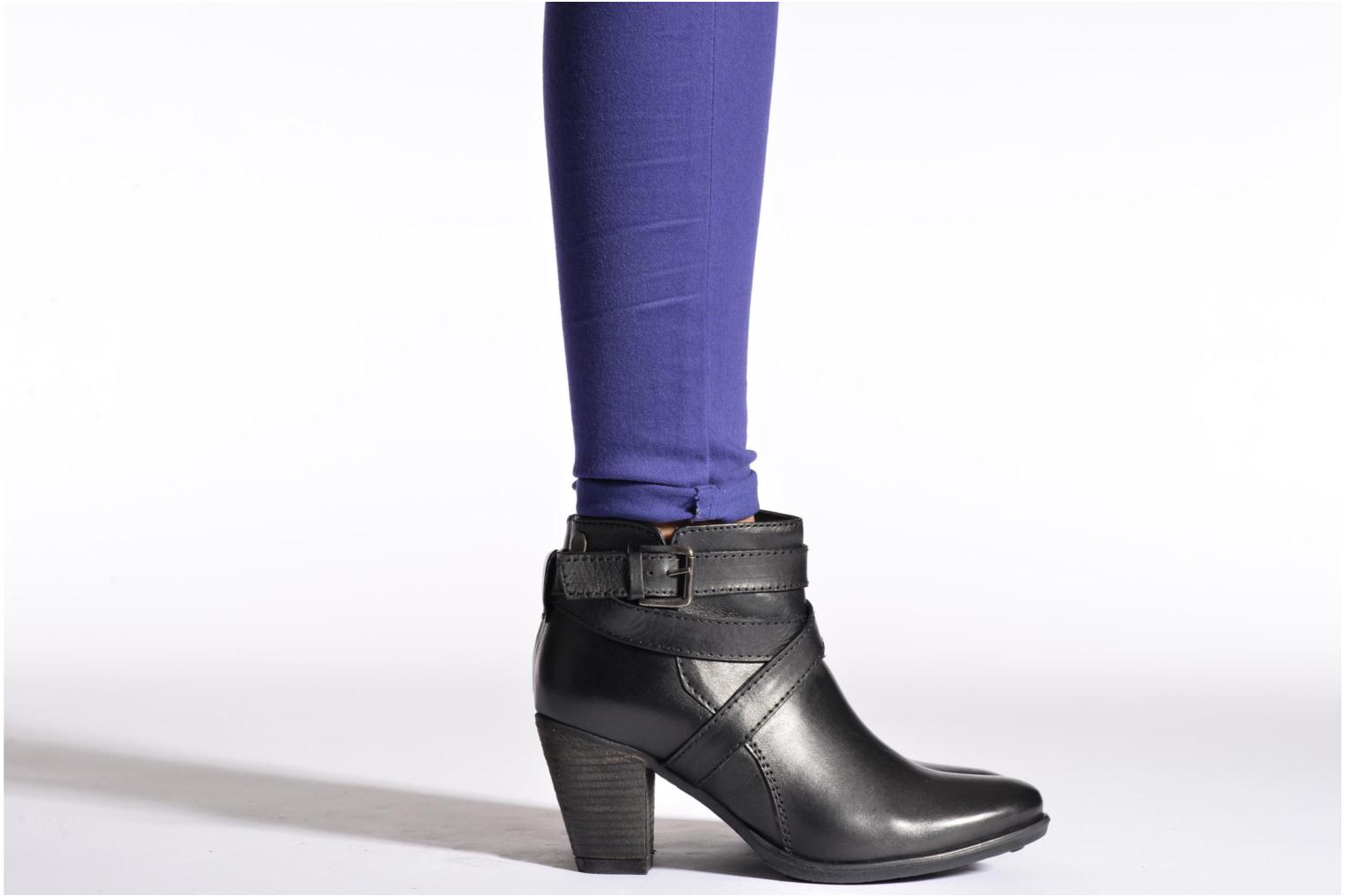 Ankle boots Initiale Paris Marble Black view from underneath / model view