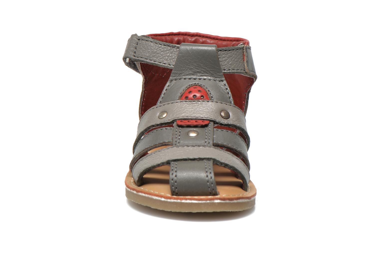 Sandales et nu-pieds Sucre d'Orge Kawan Gris vue portées chaussures