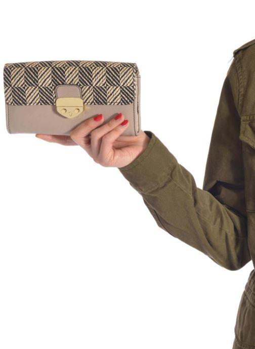 Portemonnaies & Clutches Clarks Rico Chantal beige ansicht von unten / tasche getragen