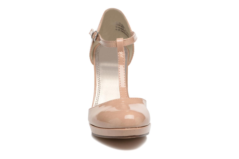 Zapatos de tacón Marco Tozzi Talia Beige vista del modelo