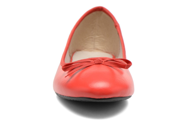 Ballerines Elizabeth Stuart Castel 851 Rouge vue portées chaussures