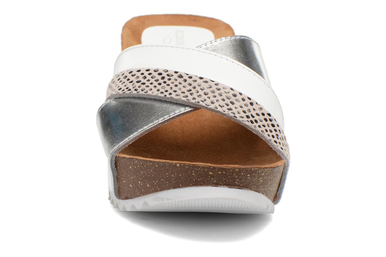 Sandali e scarpe aperte Elizabeth Stuart Yaris 882 Bianco modello indossato