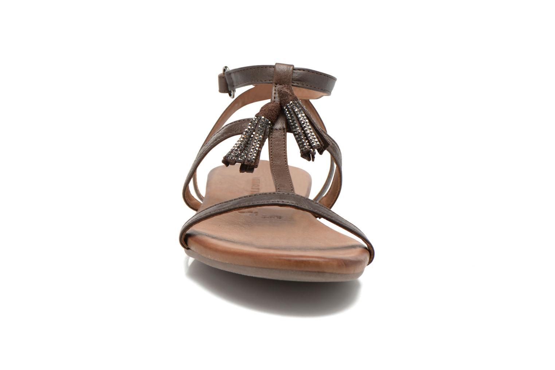 Sandales et nu-pieds Tamaris Arava Marron vue portées chaussures