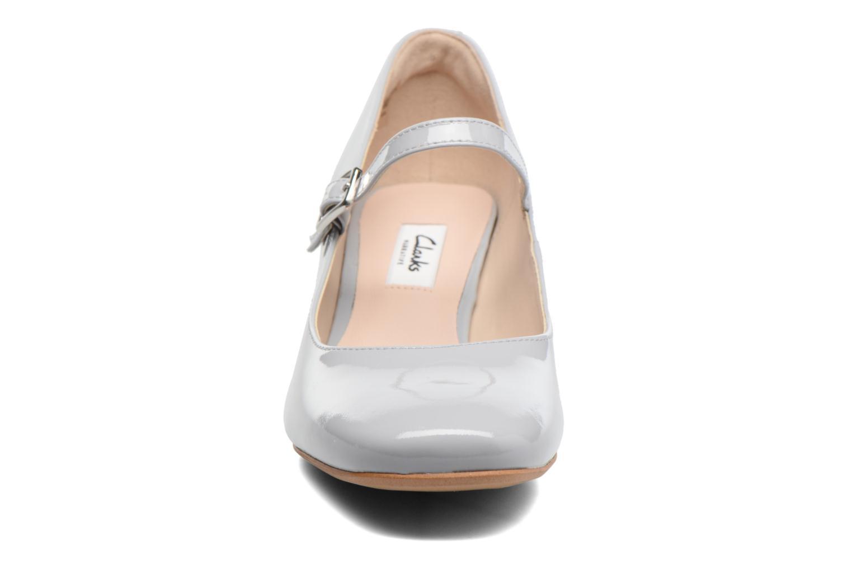 Escarpins Clarks Chinaberry Pop Gris vue portées chaussures