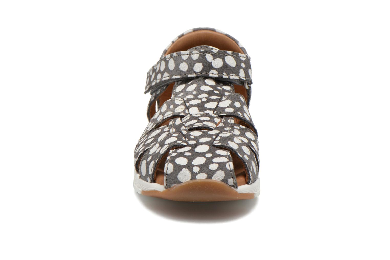 Sandales et nu-pieds Bisgaard Glenna Gris vue portées chaussures