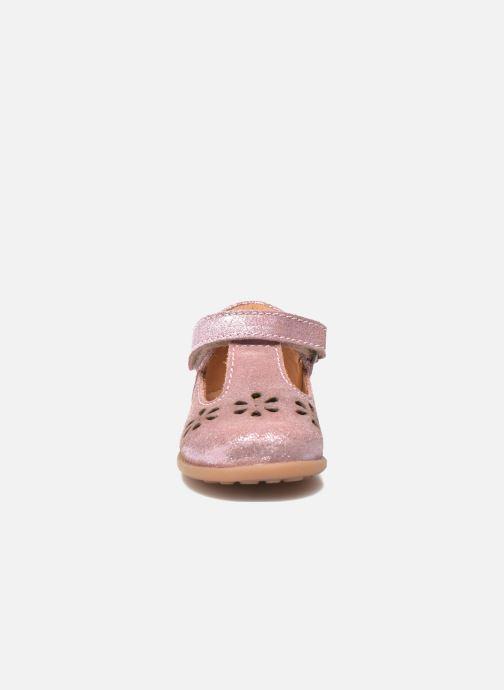 Zapatos con velcro Bisgaard Tia Rosa vista del modelo