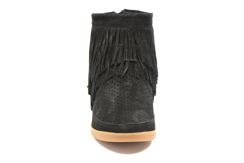 Bottines et boots Shoe the bear Emmy Fringes Noir vue portées chaussures