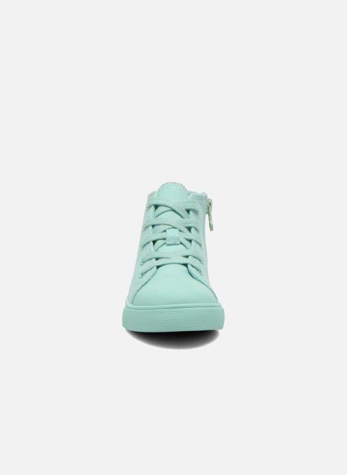 Sneaker Akid Anthony blau schuhe getragen