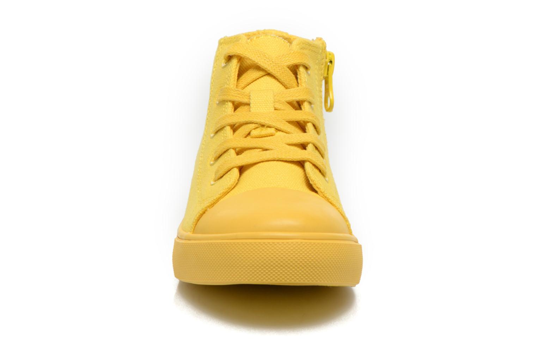 Baskets Akid Anthony Jaune vue portées chaussures