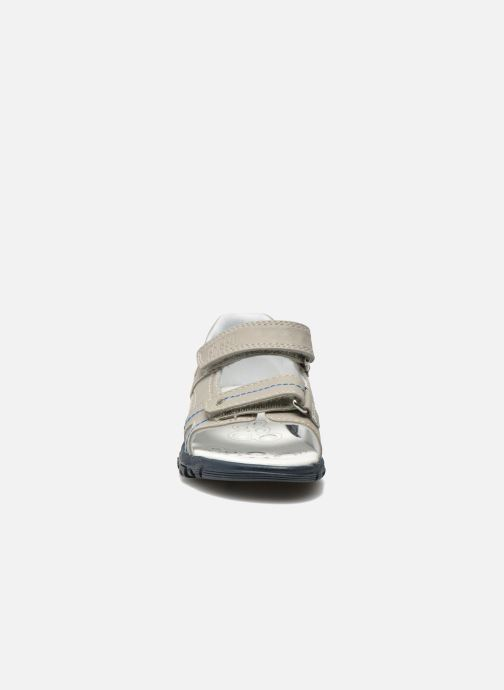 Sandales et nu-pieds Chicco Cos Gris vue portées chaussures