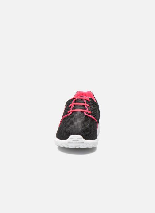 Sneakers Le Coq Sportif Dynacomf INF Mesh Nero modello indossato