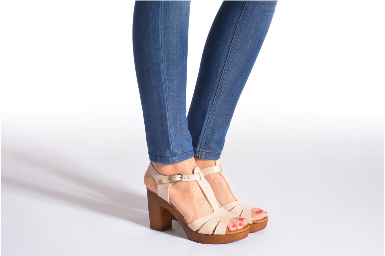 Sandales et nu-pieds Georgia Rose Dobois Beige vue bas / vue portée sac