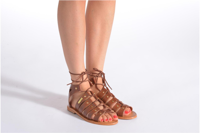 Sandalen Les Tropéziennes par M Belarbi Marilyn braun ansicht von unten / tasche getragen