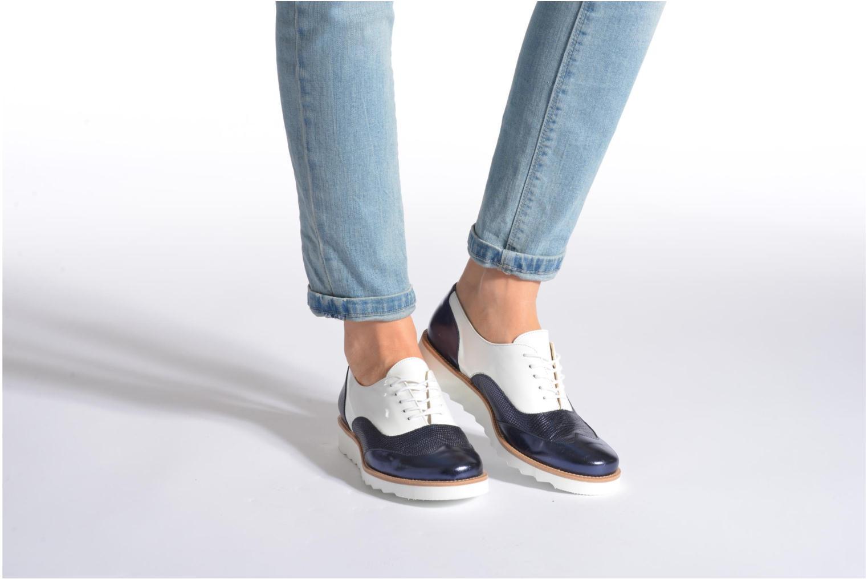 Chaussures à lacets MAURICE manufacture Silva Blanc vue bas / vue portée sac