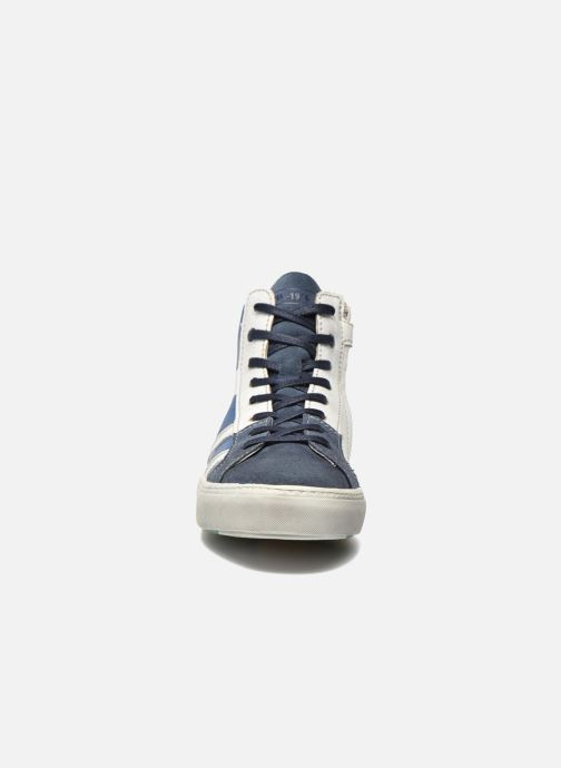 Sneakers Shoesme Vulcan Azzurro modello indossato