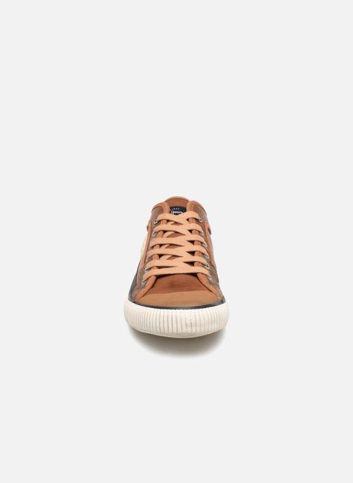 Sneakers Pepe jeans Industry Basic Boy Marrone modello indossato
