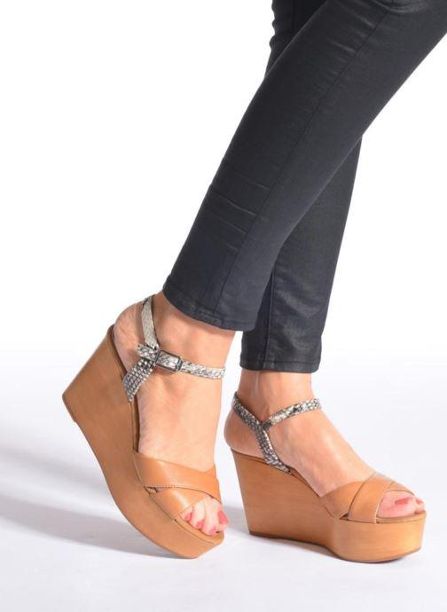 Sandalen Unisa Rena mehrfarbig ansicht von unten / tasche getragen