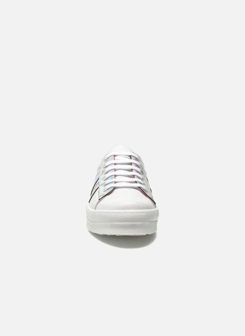 Sneakers Unisa Calixto Bianco modello indossato