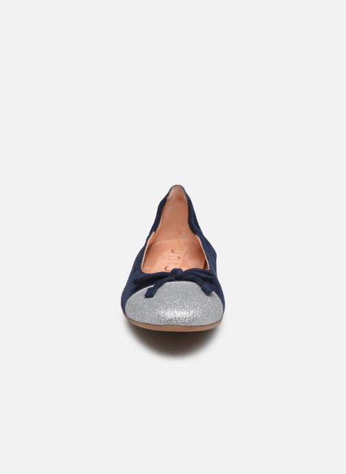 Ballerines Unisa Dino Bleu vue portées chaussures