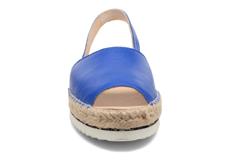 Sandalen Anaki Tequila blau schuhe getragen