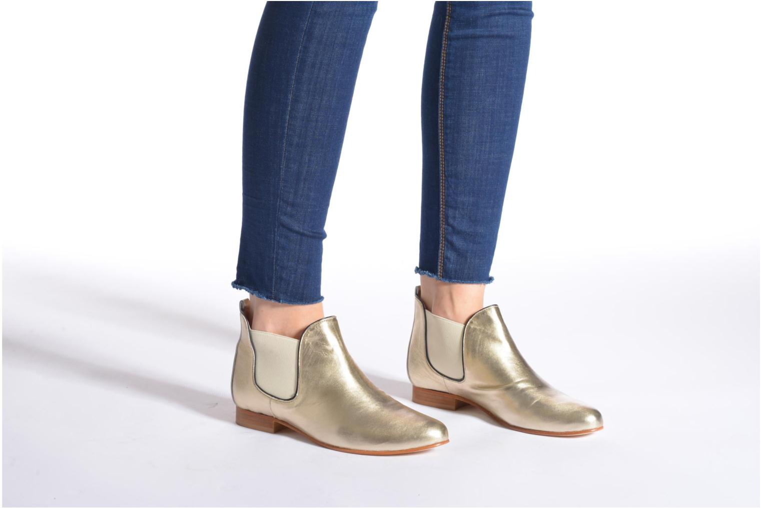 Ankle boots Anaki Lagun Bronze and Gold view from underneath / model view