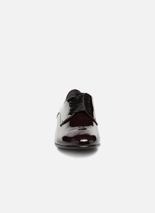 Chaussures à lacets Georgia Rose Alilikou Bordeaux vue portées chaussures