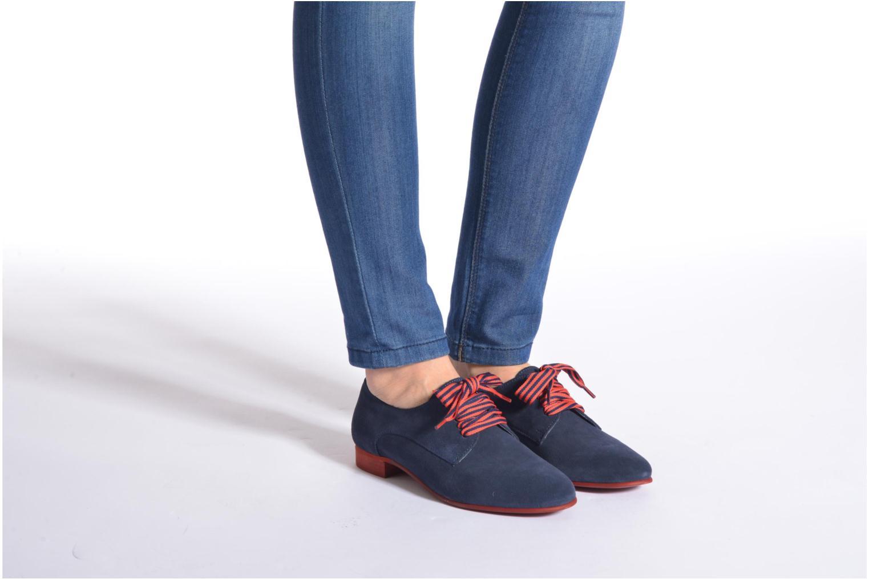 Chaussures à lacets Georgia Rose Alilikou Bleu vue bas / vue portée sac