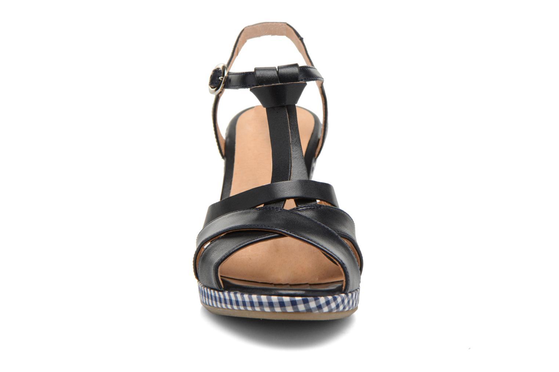 Sandales et nu-pieds Georgia Rose Ehourque Bleu vue portées chaussures