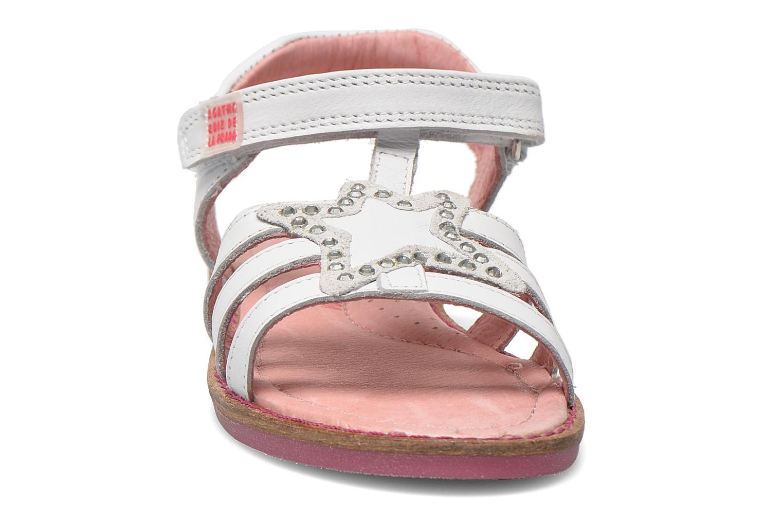 Sandales et nu-pieds Agatha Ruiz de la Prada Miss Ponza Blanc vue portées chaussures