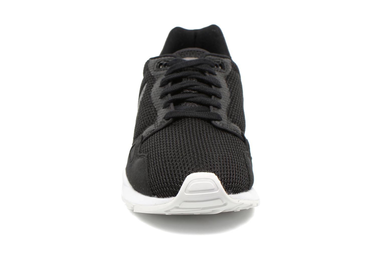 Sneakers Le Coq Sportif LCS R900 Mesh 2 Tones Nero modello indossato