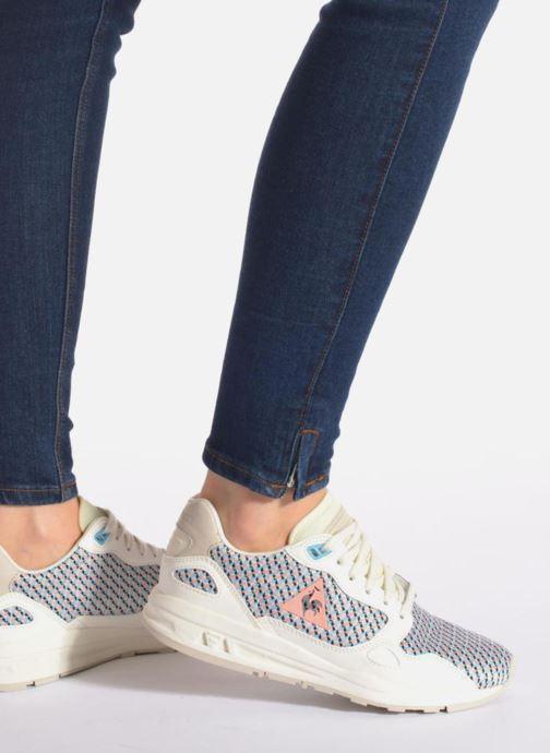 Sneaker Le Coq Sportif LCS R900 W Geo Jacquard mehrfarbig ansicht von unten / tasche getragen