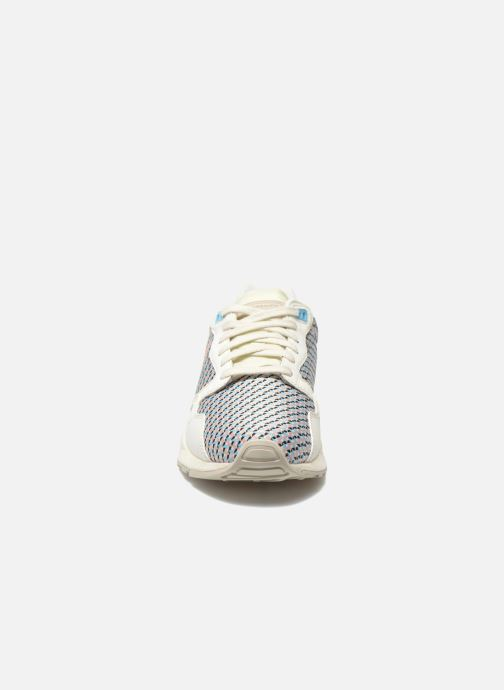 Sneaker Le Coq Sportif LCS R900 W Geo Jacquard mehrfarbig schuhe getragen