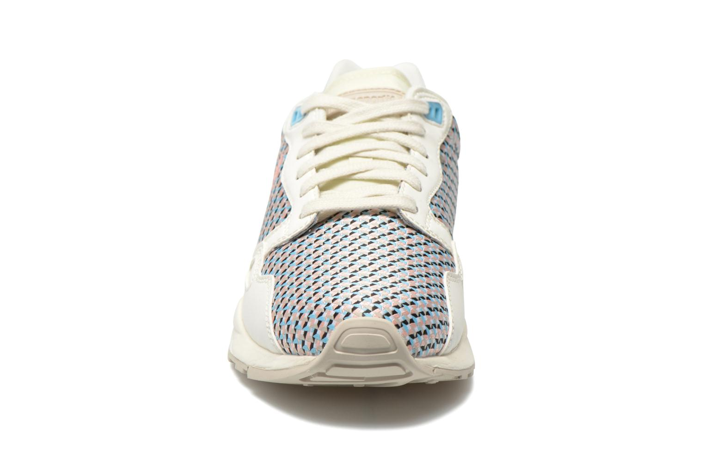 Baskets Le Coq Sportif LCS R900 W Geo Jacquard Multicolore vue portées chaussures